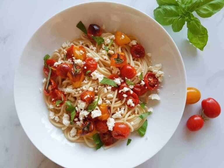 Pasta with roasted tomatoes