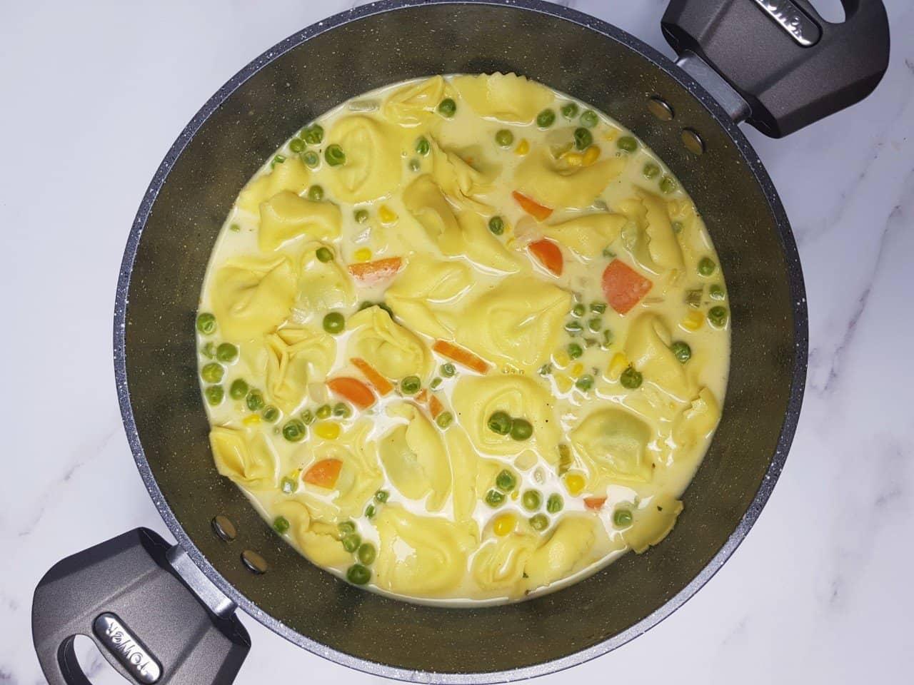 Creamy vegetable tortellini soup