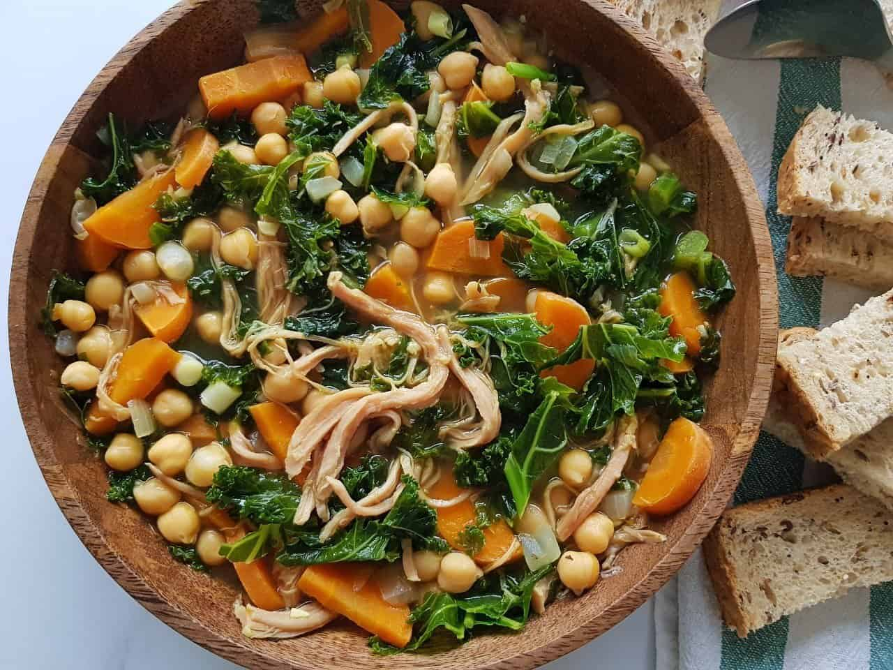 kale soup with chickpeas