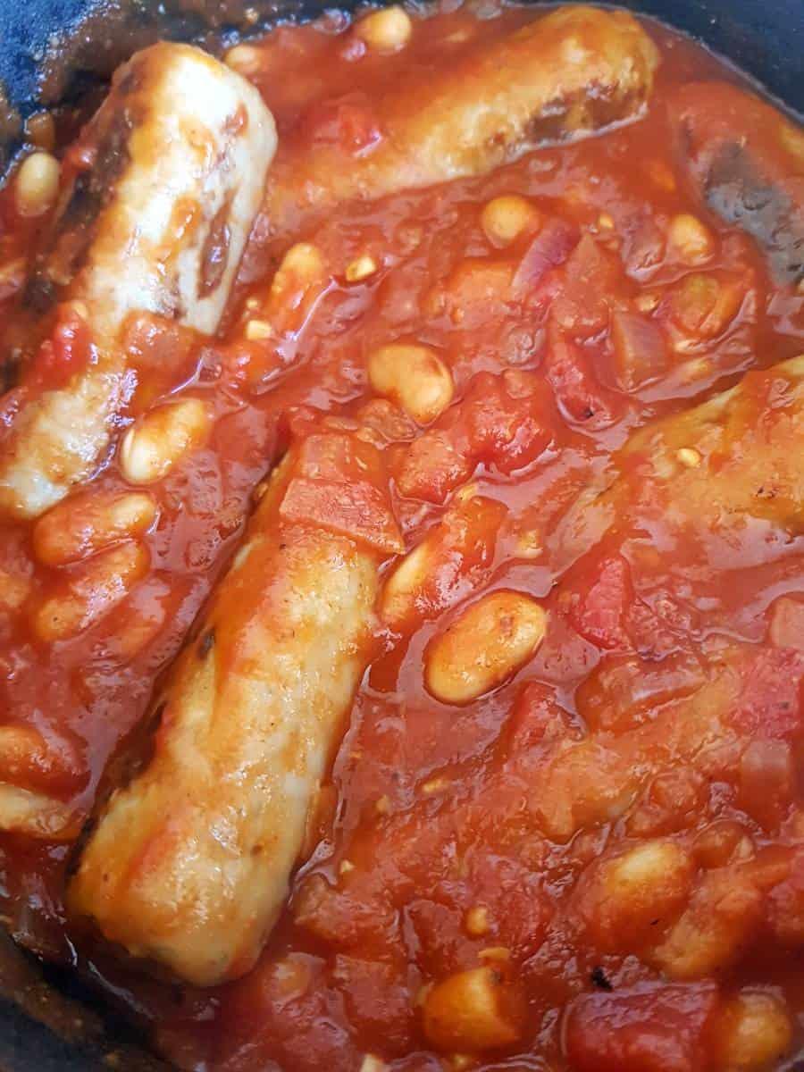 Sausage stew in a pot.