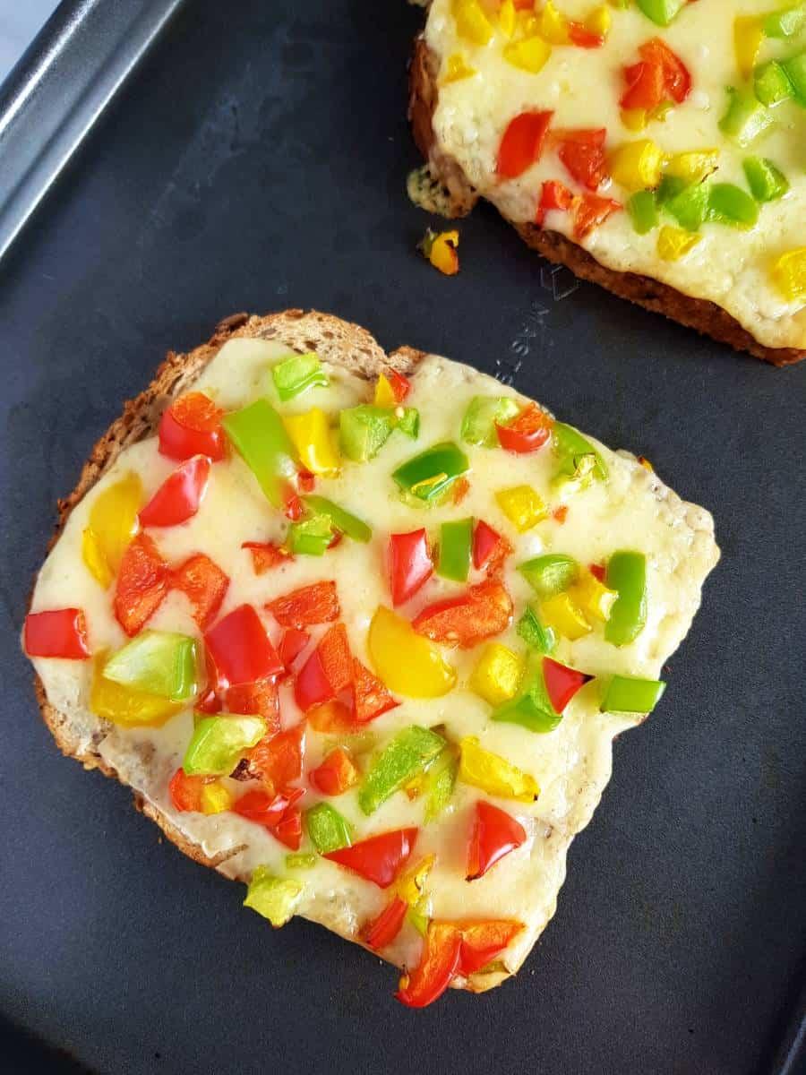 Cheese chilli toast.