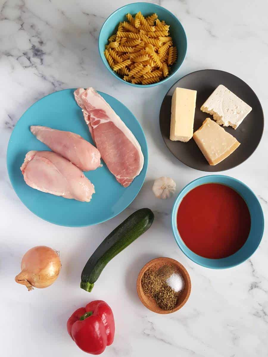Chicken and bacon pasta bake ingredients.