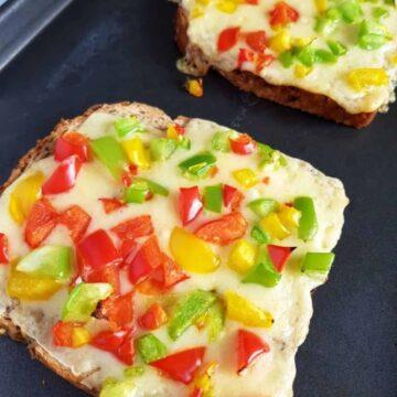 Chilli Cheese Toast.
