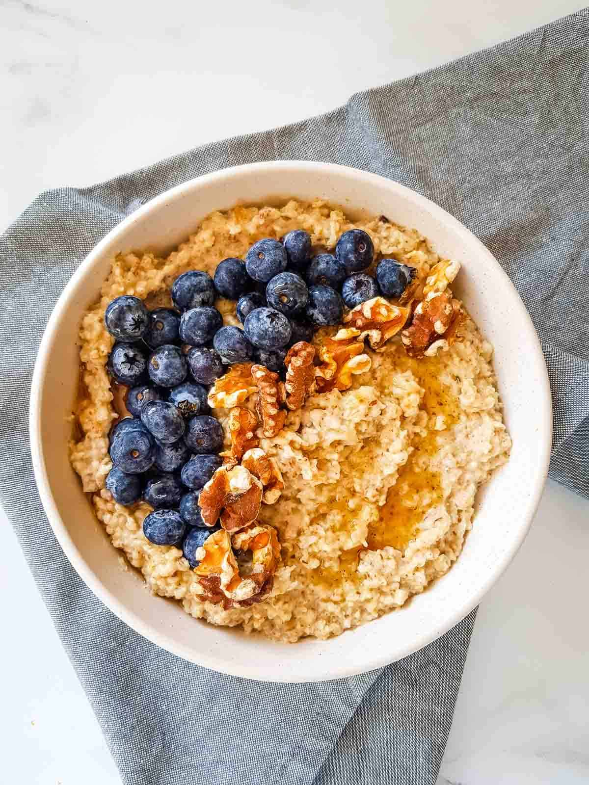 Flaxseed oatmeal with blueberries and walnuts.