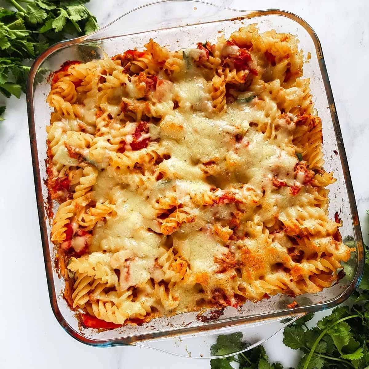 Healthy Tuna Pasta Bake So Easy Hint Of Healthy