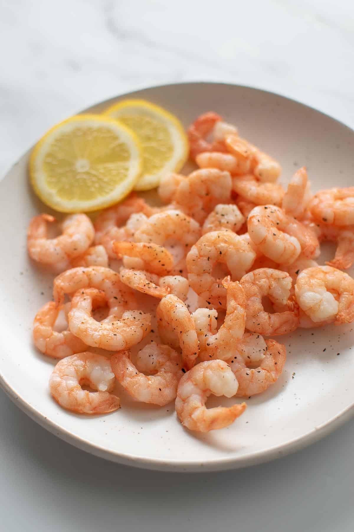 Air fried shrimp with salt, pepper and lemon.
