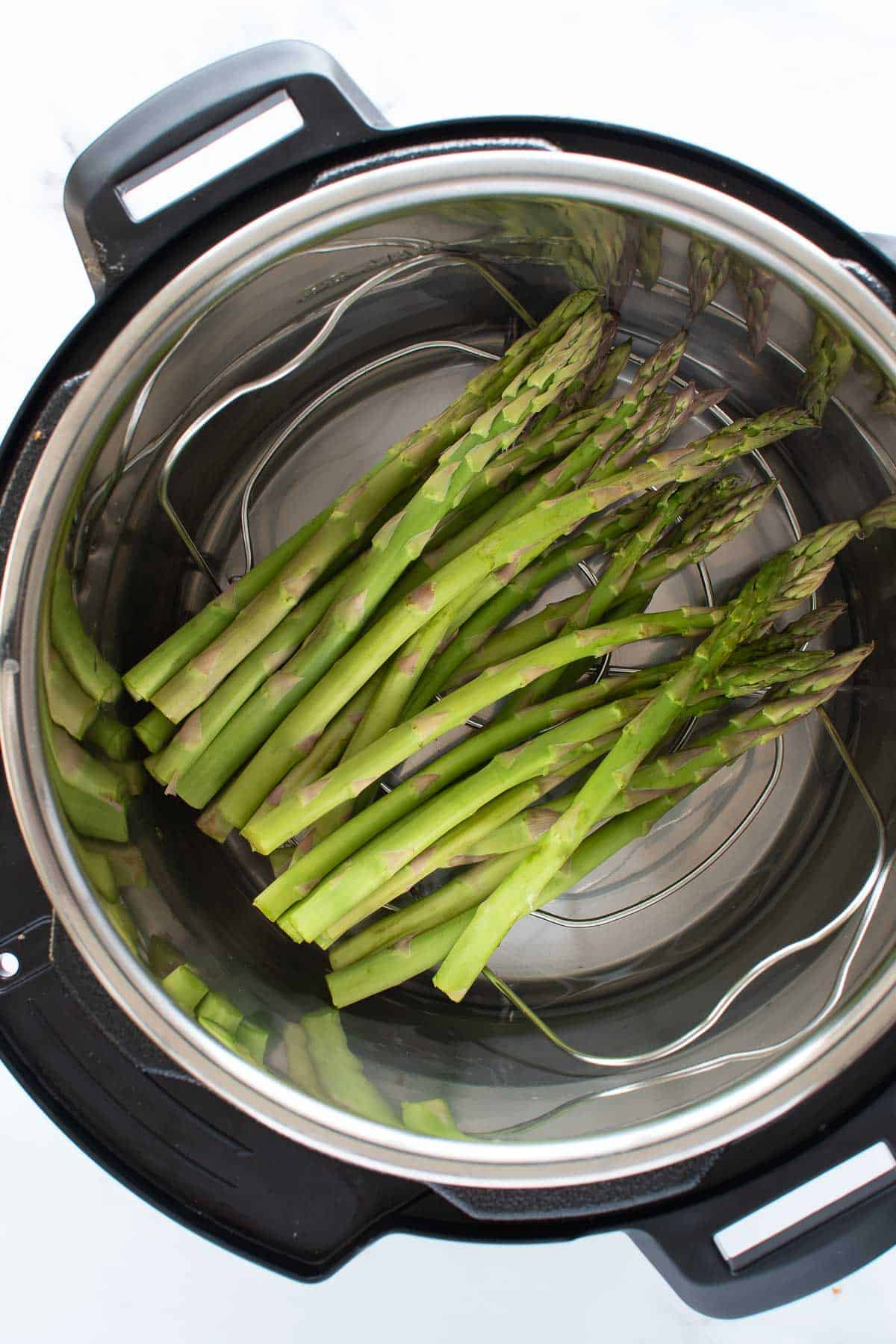 Asparagus in an instant pot.