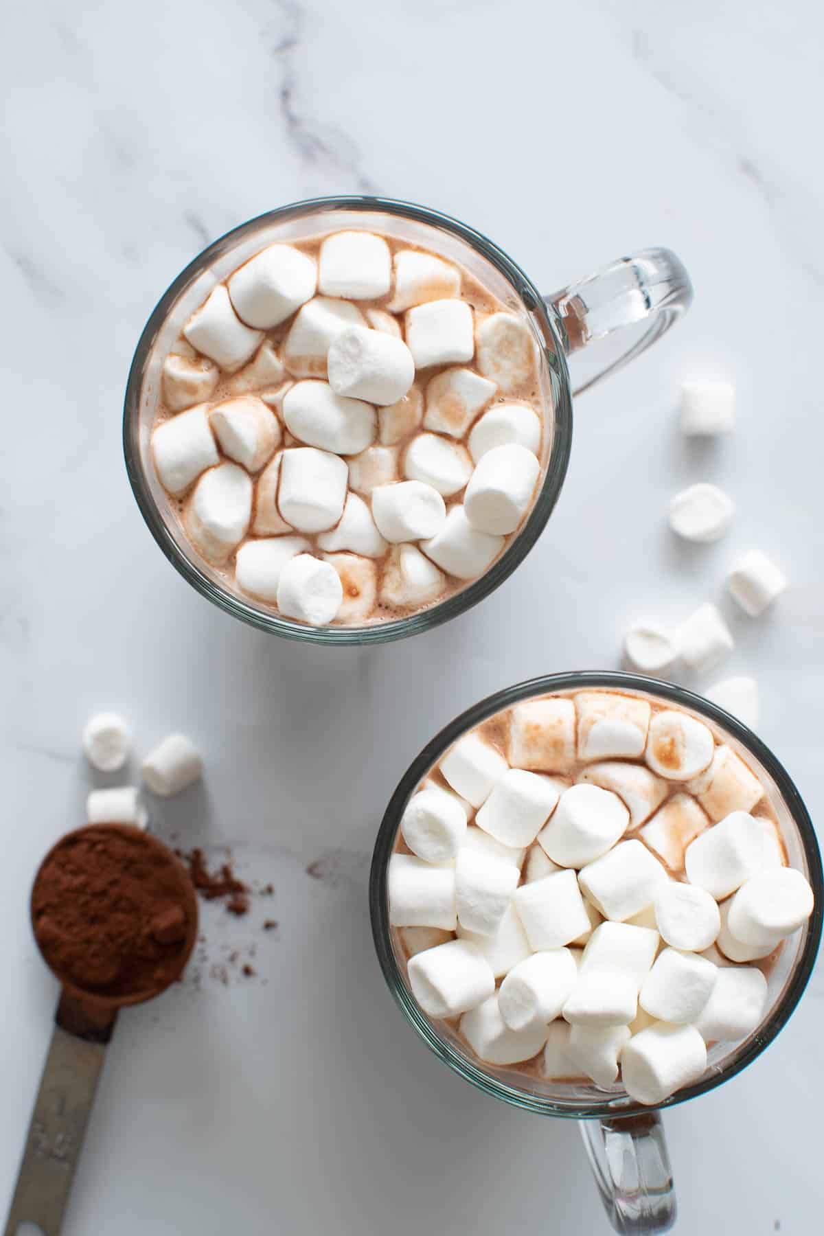 Close up of a cup of healthy hot chocolate with marshmallows.