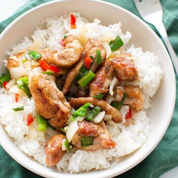 Salt and pepper chicken with rice.